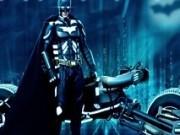 batman curse pe motocicleta