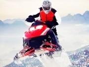 curse pe zapada cu snowmobile