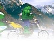 hulk conduce atv iarna