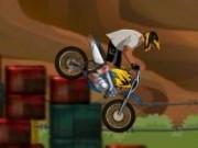 pilot de motorete pe obstacole