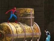spiderman lupta cu panza de paianjen