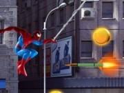 spiderman pe panza de paianjen