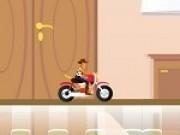 woody conduce motocicleta